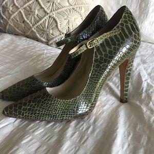 STEVEN by STEVE MADDEN green crocodile heels